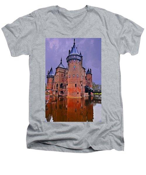 Kasteel De Haar Men's V-Neck T-Shirt
