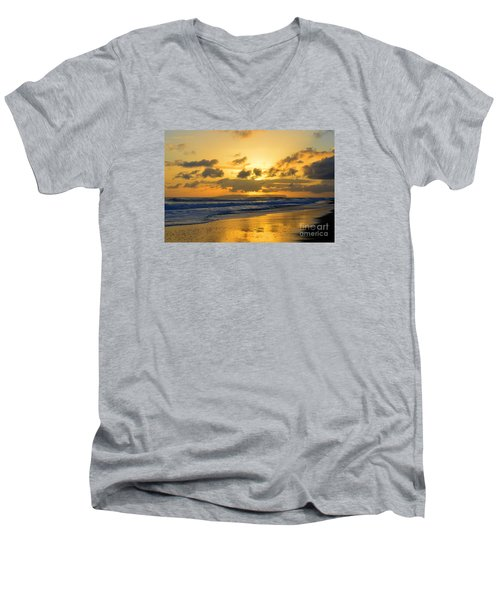 Kauai Sunset With Niihau On The Horizon Men's V-Neck T-Shirt