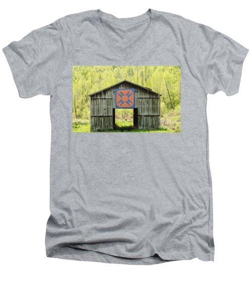 Kentucky Barn Quilt - Happy Hunting Ground Men's V-Neck T-Shirt