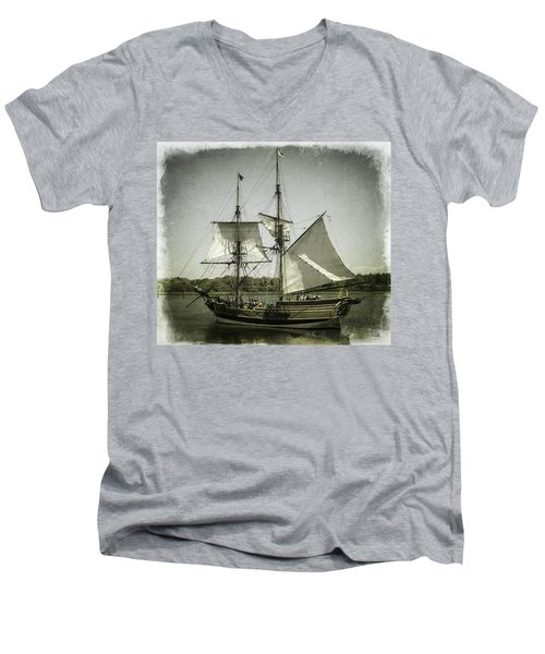 Ketch Underway Men's V-Neck T-Shirt