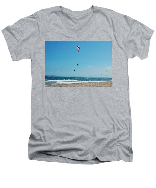 Kitesurf Lovers Men's V-Neck T-Shirt