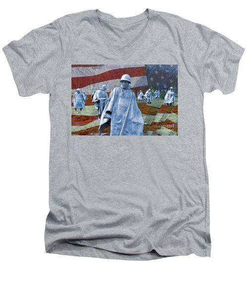 Korean War Veterans Memorial Bronze Sculpture American Flag Men's V-Neck T-Shirt