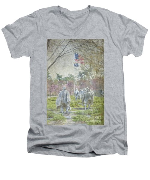 Korean War Veterans Memorial Washington Dc Beautiful Unique   Men's V-Neck T-Shirt