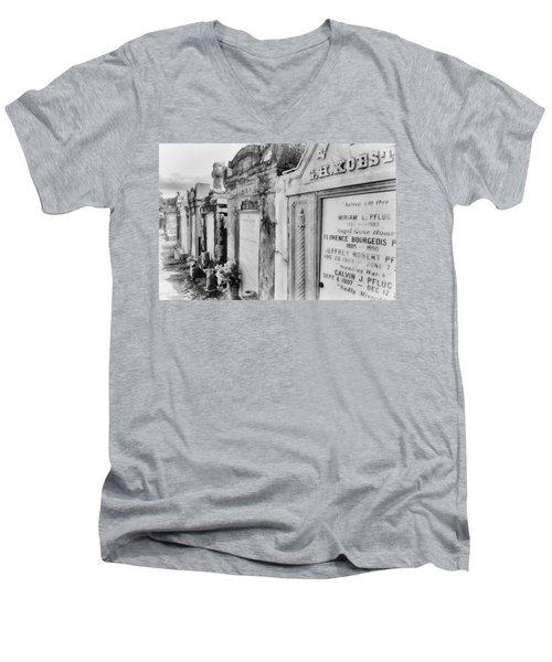 Lafayette Cemetery Black And White Men's V-Neck T-Shirt