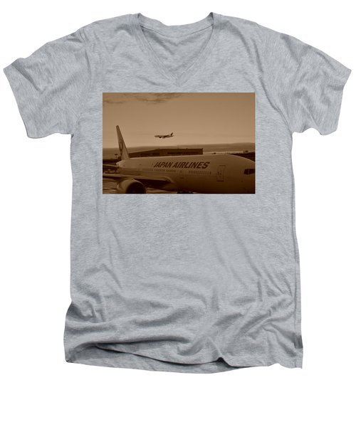 Leaving Japan Men's V-Neck T-Shirt