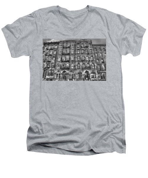 Led Zeppelin Physical Graffiti Building In Black And White Men's V-Neck T-Shirt