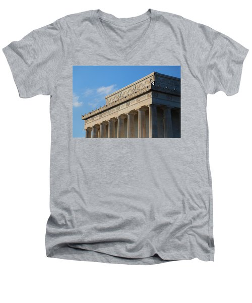 Lincoln Memorial - The Details Men's V-Neck T-Shirt