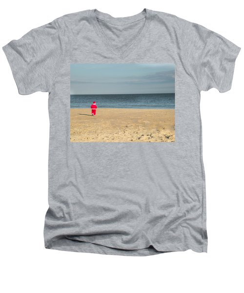 Little Santa On The Beach Men's V-Neck T-Shirt