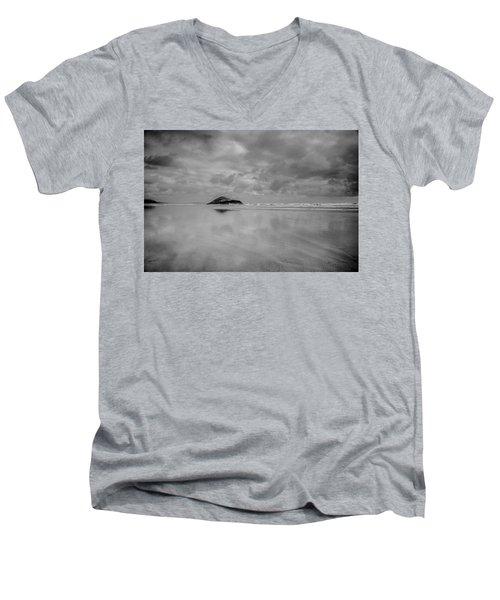 Love The Lovekin Rock At Long Beach Men's V-Neck T-Shirt by Roxann Hurtubise