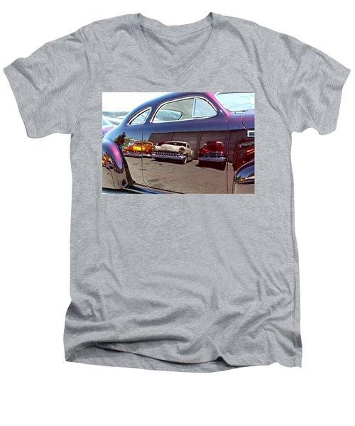 Lowfection Men's V-Neck T-Shirt