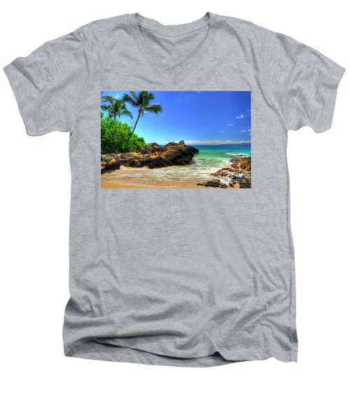 Makena Secret Cove Paako Beach Men's V-Neck T-Shirt