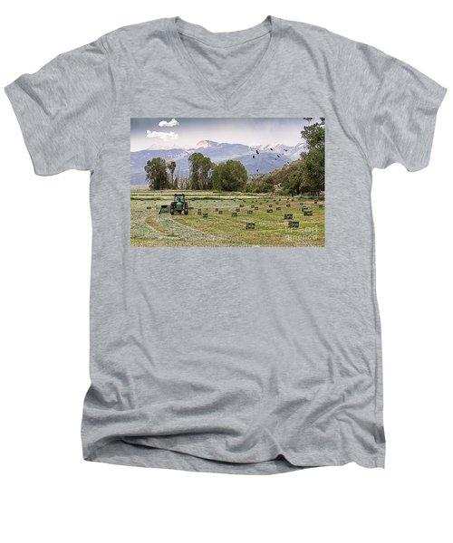 Mancos Colorado Landscape Men's V-Neck T-Shirt