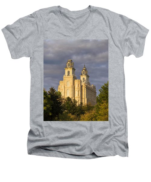 Manti Men's V-Neck T-Shirt