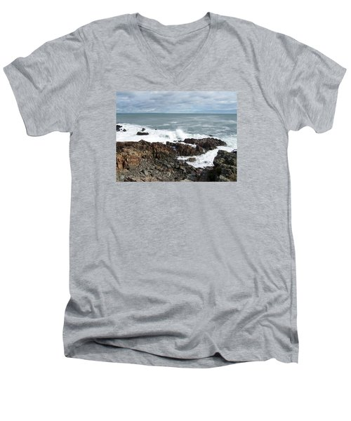 Marginal Way Men's V-Neck T-Shirt