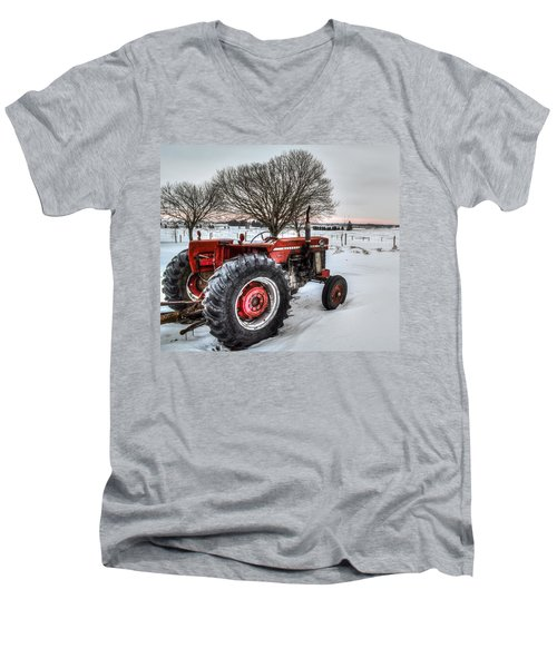 Massey Ferguson 165 Men's V-Neck T-Shirt