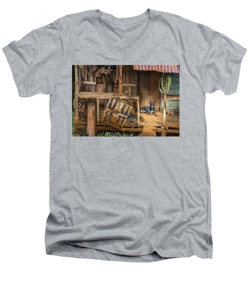 Master's Home Men's V-Neck T-Shirt