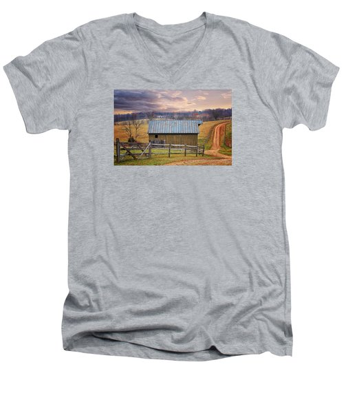 Middleburg Virginia Countryside Men's V-Neck T-Shirt
