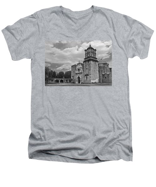 Mission San Jose Bw Men's V-Neck T-Shirt