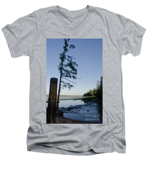 Mississippi Headwaters Men's V-Neck T-Shirt