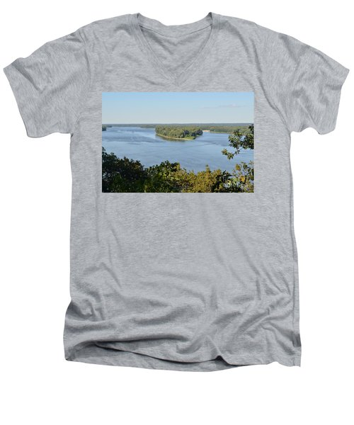 Mississippi River Overlook Men's V-Neck T-Shirt