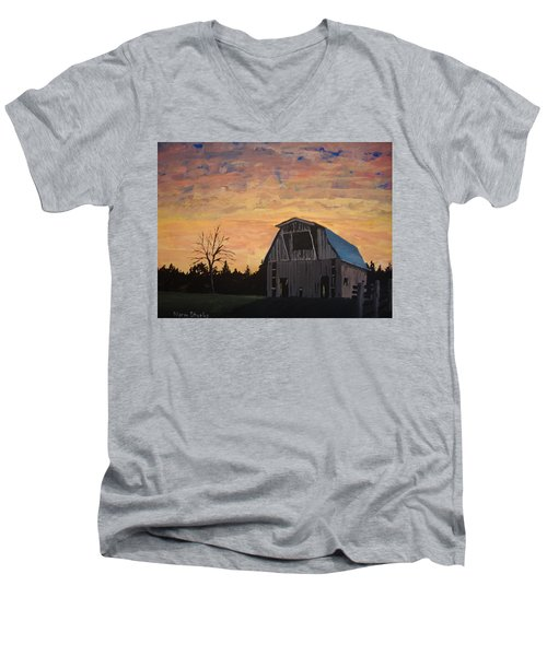 Missouri Barn Men's V-Neck T-Shirt