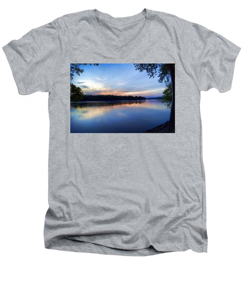 Missouri River Blues Men's V-Neck T-Shirt