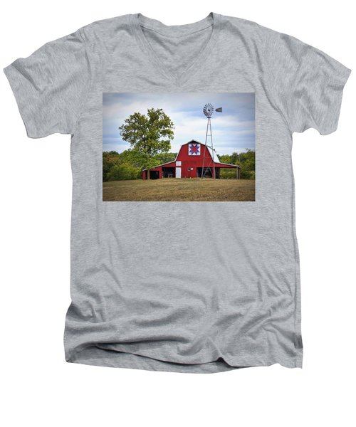Missouri Star Quilt Barn Men's V-Neck T-Shirt