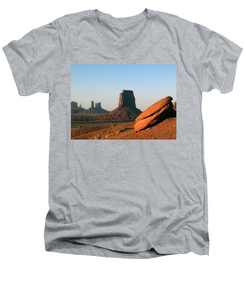 Monument Valley Afternoon Men's V-Neck T-Shirt