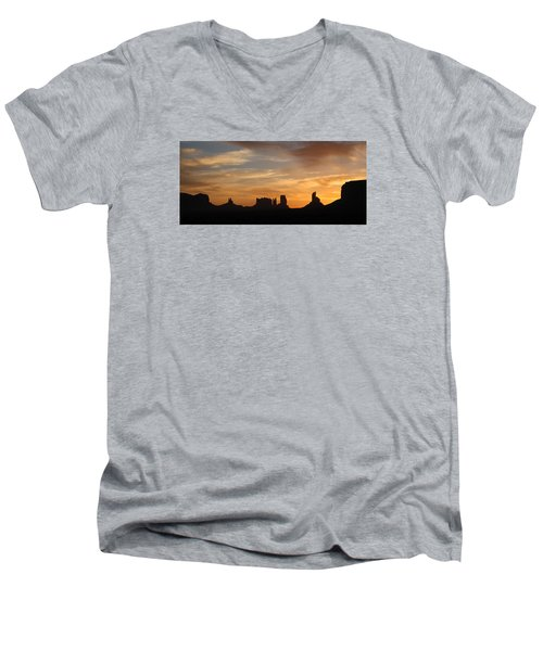 Monument Valley Sunrise Men's V-Neck T-Shirt