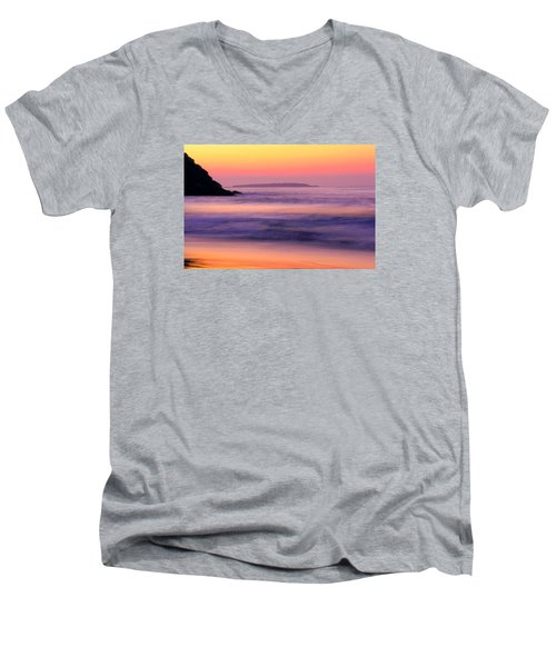 Morning Dream Singing Beach Men's V-Neck T-Shirt
