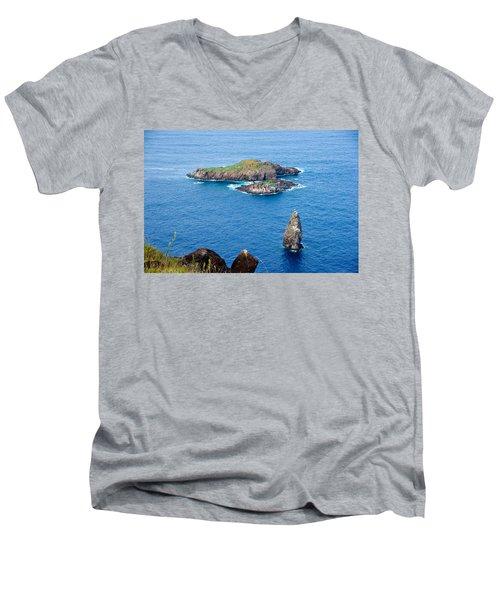Motu Kao Kao Men's V-Neck T-Shirt