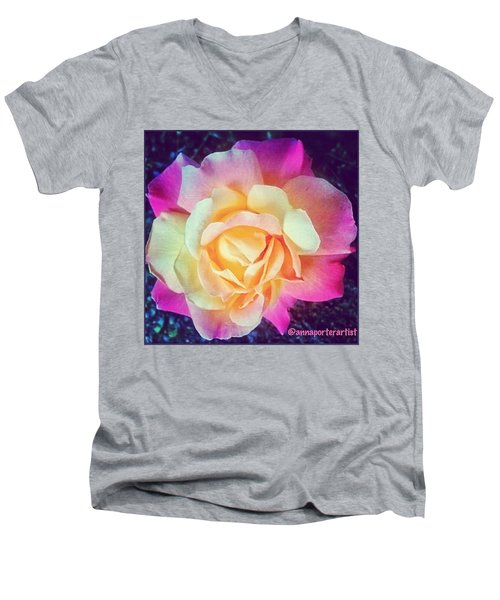 My Favorite Rose - The Lady Diana Men's V-Neck T-Shirt
