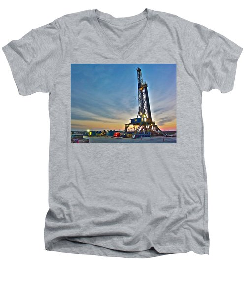 Nabors Rig In West Texas Men's V-Neck T-Shirt by Lanita Williams