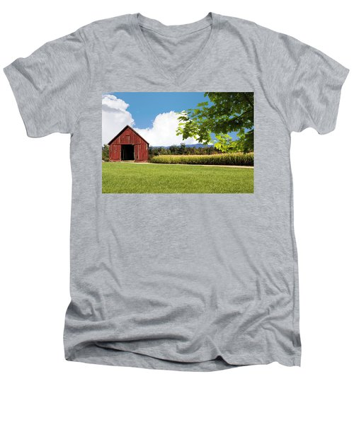 New Hampshire Barnyard Men's V-Neck T-Shirt