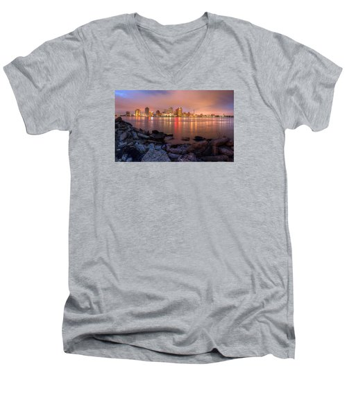 New Orleans Skyline Men's V-Neck T-Shirt