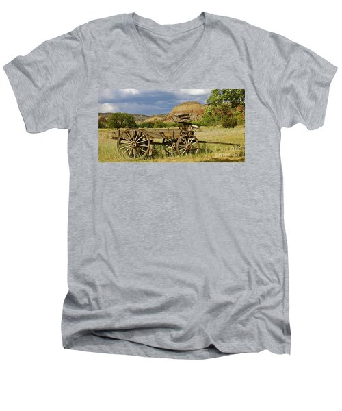 New Photographic Art Print For Sale Ghost Ranch New Mexico 13 Men's V-Neck T-Shirt