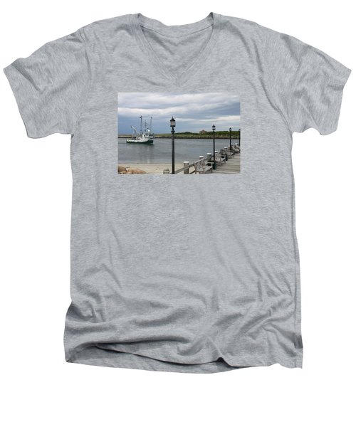 New Species Head Back Men's V-Neck T-Shirt by Christiane Schulze Art And Photography