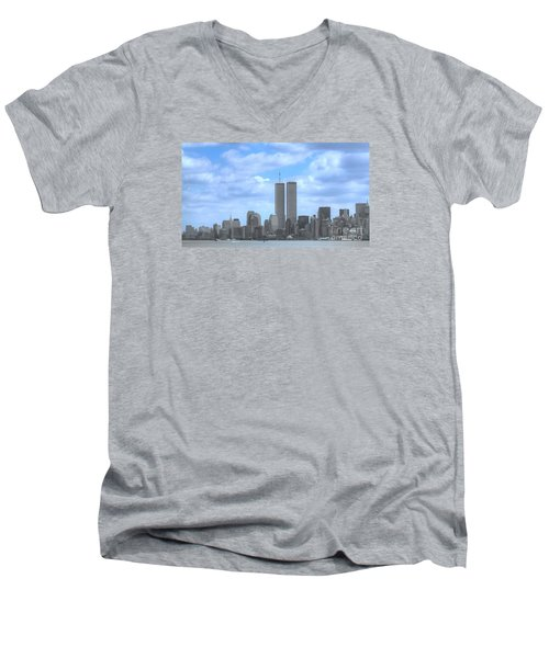 New York City Twin Towers Glory - 9/11 Men's V-Neck T-Shirt
