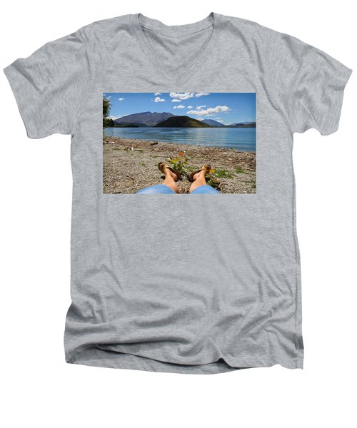 New Zealand Christmas Men's V-Neck T-Shirt