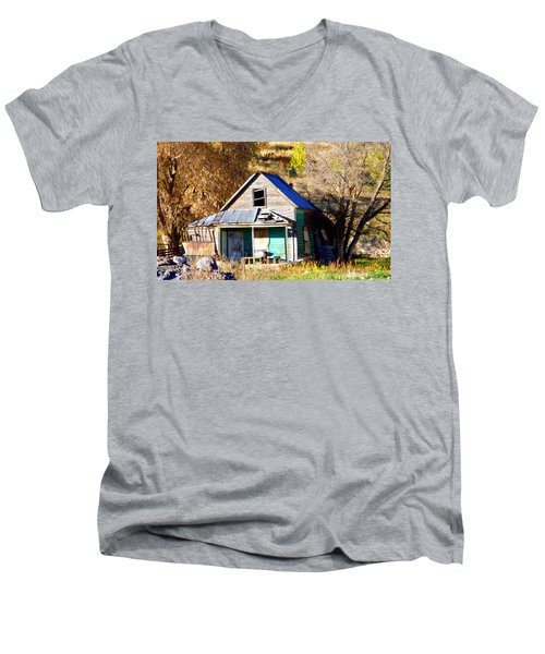 Men's V-Neck T-Shirt featuring the photograph Nobody's Home by Jackie Carpenter