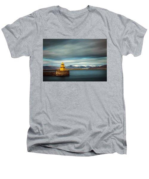Nordurgardi Men's V-Neck T-Shirt