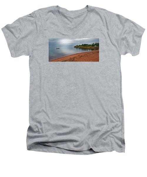 Northumberland Shore Nova Scotia Red Sand Beach Men's V-Neck T-Shirt