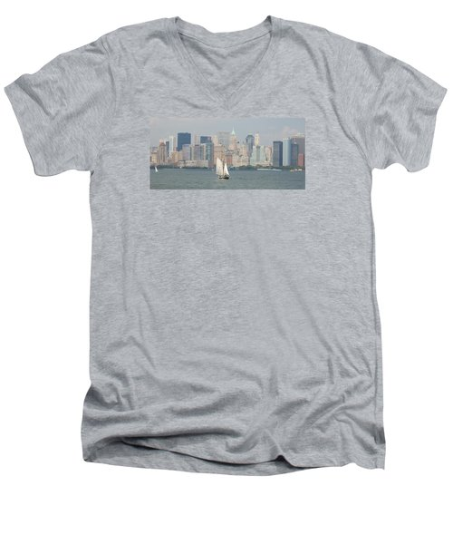 Ny City Skyline Men's V-Neck T-Shirt