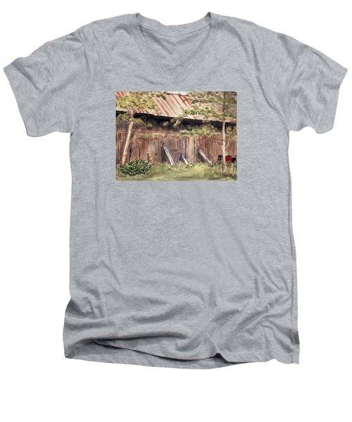 Old Barn Door Men's V-Neck T-Shirt