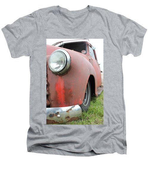 Old Chevy Men's V-Neck T-Shirt