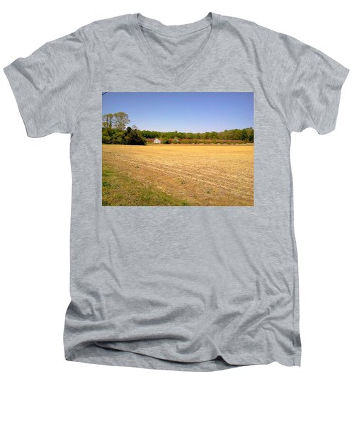 Old Chicken House On A Farm Field Men's V-Neck T-Shirt
