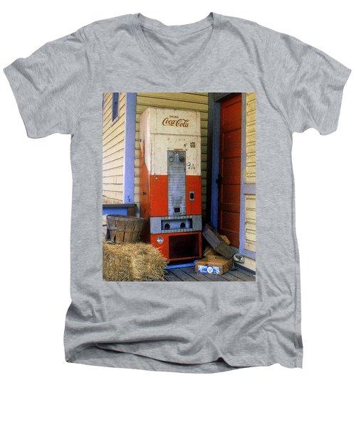 Old Coke Machine Men's V-Neck T-Shirt