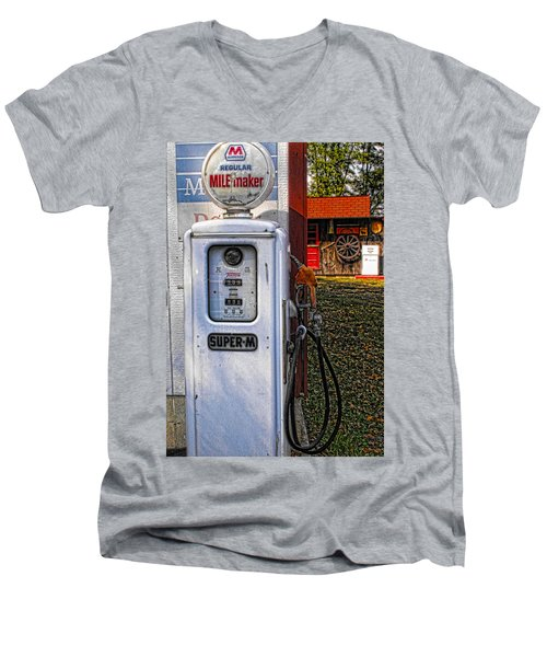 Old Marathon Gas Pump Men's V-Neck T-Shirt