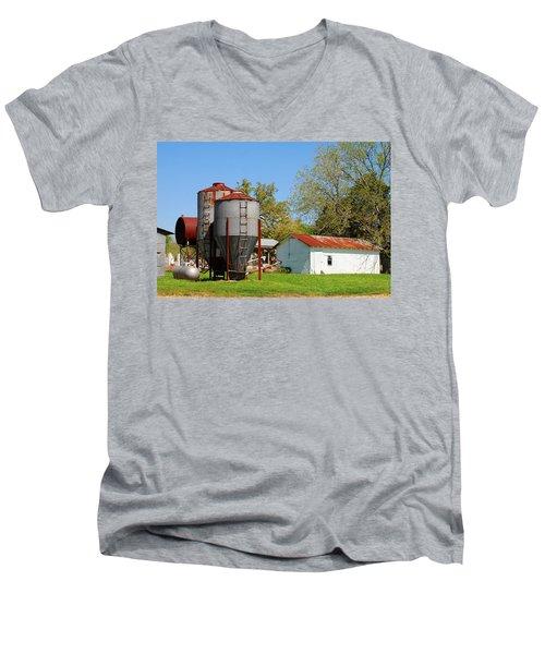 Old Texas Farm Men's V-Neck T-Shirt