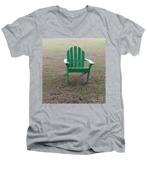 Ole Weathered Chair Men's V-Neck T-Shirt